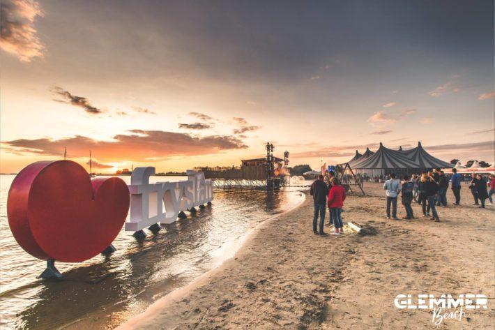 Sfeerimpressie van Glemmer Beach 2017